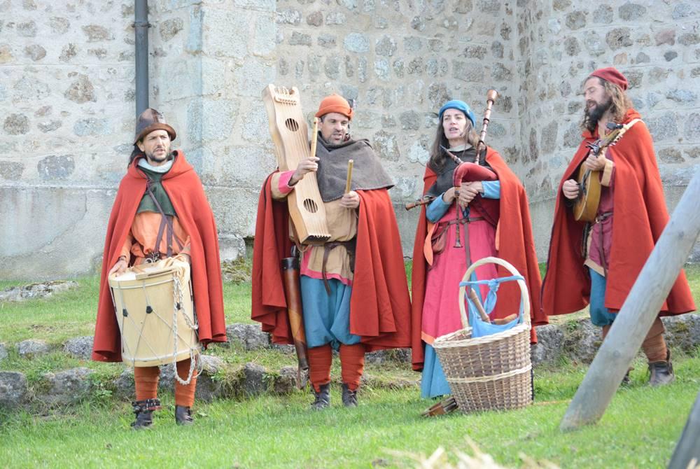 6-les-troubadours