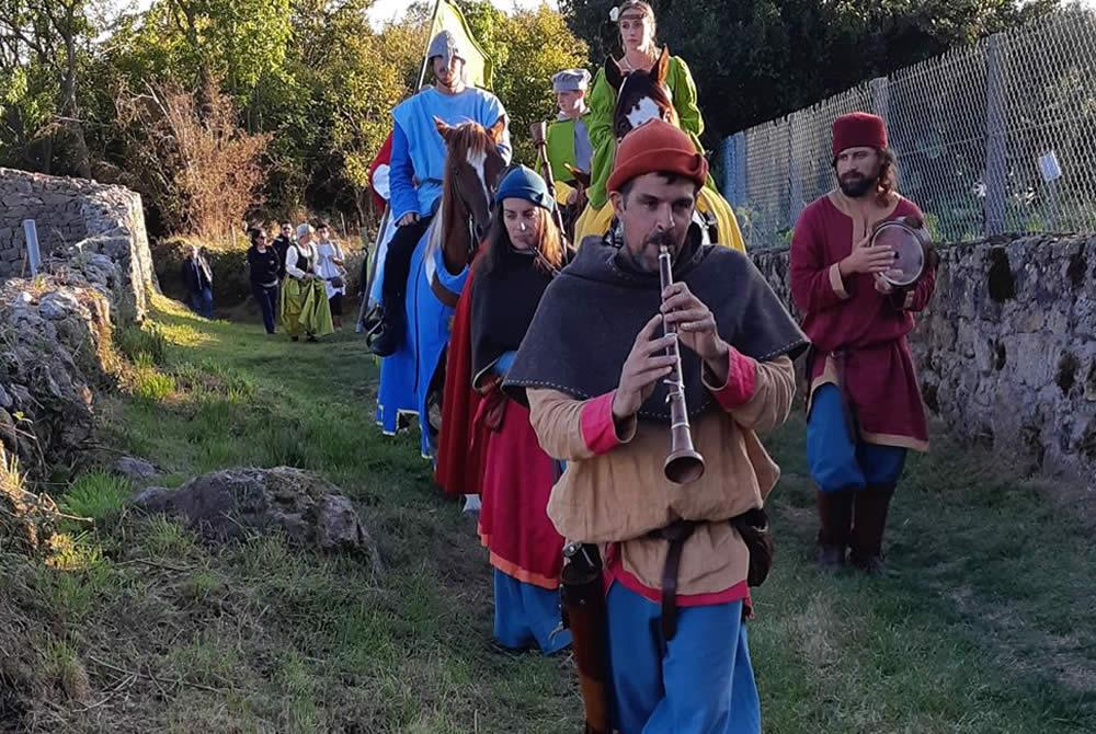 Déambulation fête médiévale Leignec 2019
